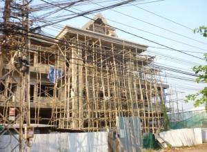 Auch bei den modernsten Bauten wird auf das traditionelle Material Bambus zurückgegriffen